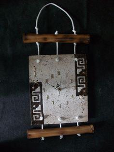 PASTA PIEDRA ideas para inspirarse Pasta Piedra, Wooden Bag, Ceramic Wall Art, Clock Decor, Craft Markets, Glass Art, Decorative Boxes, Ideas Para, Home Decor