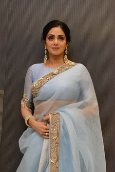 Sridevi's sari game is unbeatable! From Sabyasachi Mukherjee to Manish Malhotra, every designer's sari looks magical on this Indian beauty. This time around, celebrity stylist Ami Patel picked out an ethereal. Indian Attire, Indian Wear, Indian Style, Indian Dresses, Indian Outfits, Lehenga, Sabyasachi, Modern Saree, Stylish Sarees
