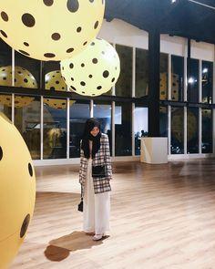 Hijab Fashion, Korean Fashion, Girl Fashion, Tartan, Muslim, Polka Dots, Ootd, How To Wear, Outfits