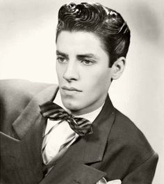 Jerry Lewis... Never saw this picture of him or any like it. He was so handsome.