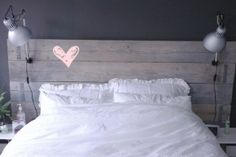 Lekker Fris: Bedroom in black, white and wood Bedroom Color Schemes, Bedroom Colors, Home Bedroom Design, Bedding Master Bedroom, Bedroom Black, Wood Bedroom, Home Goods Decor, Diy Bed, My Room