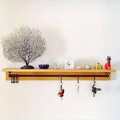My Shelf/無印良品/IKEA/草間彌生/壁に付けられる家具/キーフック...などのインテリア実例 - 2017-09-04 06:29:04 Diy Wood Projects, Wood Crafts, Diy And Crafts, Bedroom Closet Design, Wall Key Holder, Home Office Setup, Wooden Pallet Furniture, Decoration, Living Room Designs