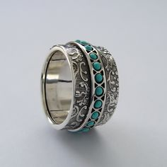 Turquoise spinner silver band Wide Sterling silver by ArtisanFeel Wedding Rings Vintage, Vintage Rings, Vintage Style, Vintage Diamond, Vintage Silver, Vintage Turquoise, Pink Diamond Jewelry, Gold And Silver Rings, Spinner Rings