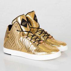 Nike LeBron XI NSW Lifestyle BHM QS