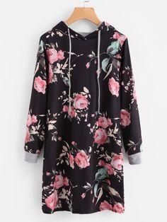 Модное платье с капюшоном и цветочным принтом