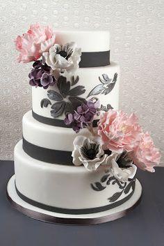 Tartas de #boda de diseño. ¿Os va más lo romántico o lo original?
