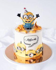 Fondant Minions, Baby Birthday Cakes, Minion Birthday, Happy Birthday, Crazy Cakes, Cute Cakes, Yummy Cakes, Minion Torte, Fondant Cakes