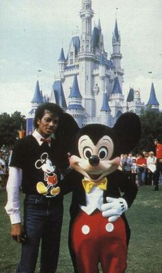 MJ with Mickey Mouse he disneybounded before it was a thing