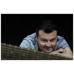 """#Lunigiana #Musica. Dopo un singolo già in radio da metà settembre, è uscito ieri l' #EP del cantautore lunigianese Andrea #Brunotti """"Emigrato cosciente"""". Un sound pop caratterizzato però, da testi d'autore e citazioni folk-rock."""