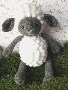 Doudou crochet mouton blanc et gris : Jeux, jouets par mamzellecrochet
