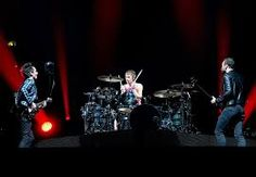 Resultado de imagen para muse Mexico, Tours, World, Concert, Muse Music, Twitter, End Of The World, Rock Bands, 3 Months