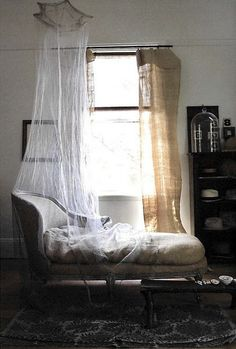 Oooh, mosquito net on a day bed