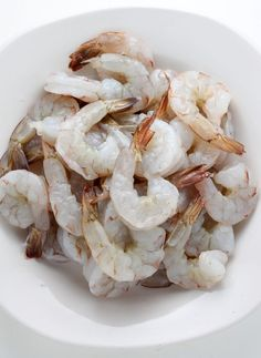 Homemade Coconut Shrimp are an easy and impressive appetizer you can make with simple ingredients. Everyone loves finger food! Coconut Shrimp, Shrimp Recipes, Quick Easy Meals, Finger Foods, Main Dishes, Healthy Lifestyle, Seafood Meals, Appetizers, Articles
