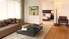 Club House Bogotá cuenta con 40 habitaciones de 39 a 90 mt2, decorados con las últimas tendencias en diseño interior y dotados con elementos de última tecnología que permite al visitante del CHB vivir una experiencia única sumergido en la privaciad, tranquilidad y comfort que sólo ofrece nuestro Club House.