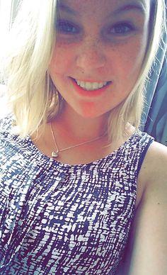 Ik ben Amke Klompmaker, ik ben 19 jaar. Ik ben een leuke spontane meid (lekker cliché) en ben erg creatief.