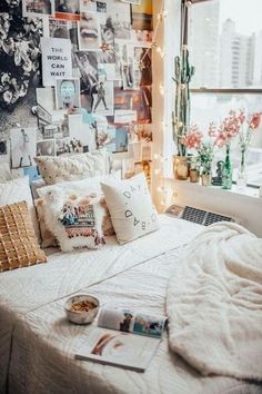 Loving these cute dorm rooms and dorm decor ideas! If you need ideas for cute dorm rooms, here are tons of cute dorm room decor ideas that will give you inspiration! These chic and cute dorm room ideas are affordable and perfect for a student budget. Dream Rooms, Dream Bedroom, Diy Bedroom, Girls Bedroom, Bedroom Furniture, Bedroom Inspo, White Furniture, Bedroom Inspiration, Comfy Bedroom