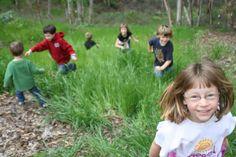 No más escuelas con niños encerrados: es hora de enseñar con juegos y arte en la naturaleza