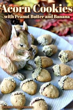 These acorn cookies are just as cute as can be! They have a delicious peanut butter and banana flavor, and I promise you'll go NUTS for them. #acorncookies #cookies #fallcookies #peanutbuttercookies #bananacookies #shapedcookies #fallcookies #funwithfood #foodart #oatmealcookies #nutcookies #softcookies #favoritecookies #kudoskitchenrecipes Peanut Butter Banana, Creamy Peanut Butter, Peanut Butter Cookies, Yummy Cookies, Acorn Cookies, Oatmeal Cookies, Oatmeal Flavors, Best Cookie Recipes, Holiday Recipes