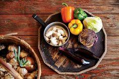 충남 서천 오미숙 씨의 두고두고 잘 고른 다정한 村집 : COUNTRY HOUSE : 네이버 포스트 Home Deco, Chicken, Ethnic Recipes, Food, Essen, Home_decor, Meals, Yemek, Eten