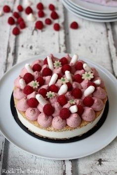 Entremets Archives - Rock the Bretzel - cuisine - Lebensmittel Dacquoise, Cooking Chef, Cooking Recipes, French Pastries, Pastry Cake, Sweet Cakes, Desert Recipes, Let Them Eat Cake, Love Food
