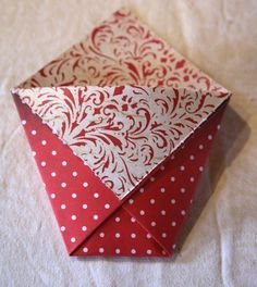 "Little giftbag. Easy instruction on how to fold a ""French Fry Bag"" on Gudruns papirblog."