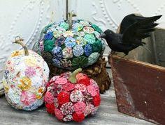Fabric Yo Yo Pumpkin Craft - Create these pumpkin crafts for your home this fall.