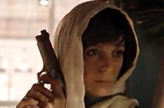 Mary - Season 4// is that her hair or a hat?  At first I thought it was a hat but now I'm looking at this picture and I think that is her hair.... I'm confuse