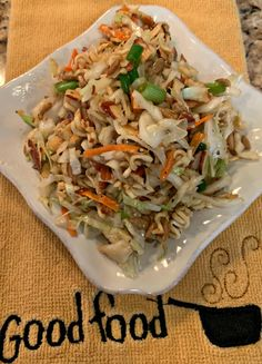 This tangy, crunchy, simple Ramen Coleslaw is packed with flavor and can be made in less than ten minutes! A favorite with all, be sure to try it! Ramen Coleslaw, Chinese Coleslaw, Ramen Salad, Coleslaw Salad, Vegan Coleslaw, Soup And Salad, Coleslaw Recipes, Homemade Coleslaw, Gourmet