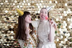 A wedding photobooth is totally DIY-able! We're sharing a mix of 20 fun DIY backdrops and FREE props for your DIY photobooth for your big day! Diy Wedding Photo Booth, Diy Photo Booth, Photo Booth Backdrop, Backdrop Ideas, Photo Backdrops, Photobooth Idea, Wall Backdrops, Photography Backdrops, Sequin Wall