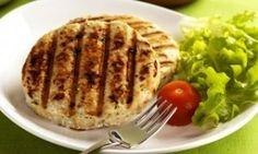 """25 curtidas, 1 comentários - Paula Miranda Nutricionista (@paulatranqueira) no Instagram: """"HAMBÚRGUER CASEIRO SAUDÁVEL INGREDIENTES 500gr de carne moída ou peito de frango 1 cebola média…"""""""