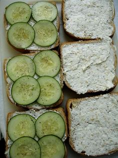 I used Toffutti cream cheese and Veganaise for vegan version 😙 proper cucumber sandwiches - I made a petite version of this for a high tea I organized for my wife and a friend on the anniversary of Pride & Prejudice. They were delicious. I Love Food, Good Food, Yummy Food, Tasty, Healthy Snacks, Healthy Recipes, Top Recipes, Cucumber Sandwiches, Finger Sandwiches