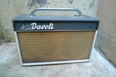 1960's Davoli Vintage Tube Amplifier Made in Italy. Take a look at that handle!