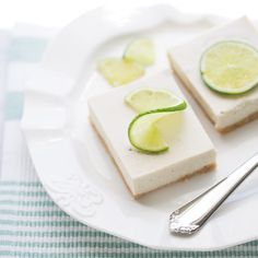 Creamy, tart vegan key lime pie bars with a tasty graham cracker macadamia nut crust. An easy, make-ahead summer dessert! This post was created in partnership with Enjoy Life Foods. May is celiac disease awareness month and this year will mark my 5th year eating gluten-free. I was diagnosed with celiac disease in 2012 after my …