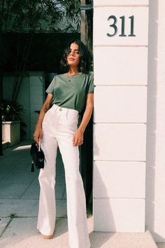 VG Face Of Being Cord Pants // Cream Sophisticated Work Attire and Office Outfits for Women Look Fashion, Street Fashion, Fashion Tips, Fashion Trends, Fashion Styles, Fashion Hacks, Korean Fashion, Classy Fashion, Petite Fashion