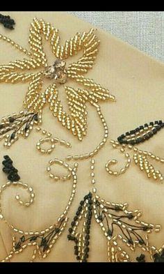 10 easy to do {Bead Embroidery Flower motifs Very easy to make flower embroide. 10 easy to do {Bead Embroidery Flower motifs Very easy to make flower embroidery motifs with bead Tambour Beading, Tambour Embroidery, Bead Embroidery Patterns, Hand Embroidery Flowers, Couture Embroidery, Hand Embroidery Stitches, Silk Ribbon Embroidery, Embroidery Fashion, Hand Embroidery Designs