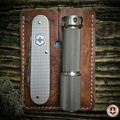 A simple from You don't need to carry a lot when you have a Victorinox Knives, Victorinox Swiss Army Knife, Knife Holster, Edc Knife, Tactical Knives, Tactical Gear, Pocket Knife Brands, Edc Everyday Carry, Military Guns