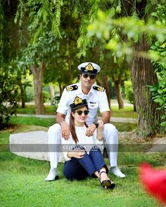 17 Best Quotes for Indian Army Girlfriend (Pictures) Army Love Quotes, Indian Army Quotes, Military Couple Photography, Indian Wedding Couple Photography, Military Girlfriend, Military Women, Navy Engagement Photos, Army Couple Pictures, Couple Pics