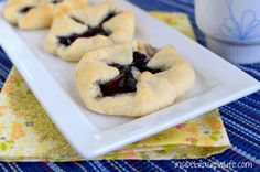Blueberry Cheesecake Danish - easy three ingredient breakfast danishes #blueberry #pillsbury @Inside BruCrew Life