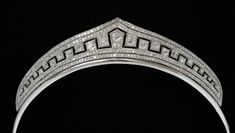 An Edwardian diamond set tiara, set with cushion cut diamonds to the centre in a milligrain setting and open metal work surround with two rows of diamonds to the top and bottom. Tested as Platinum. Royal Crowns, Royal Tiaras, Tiaras And Crowns, Diamond Tiara, Diamond Cuts, Antique Jewelry, Vintage Jewelry, Vintage Rings, Silver Tiara