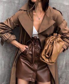 Modetrends in der Lederbekleidung für Damen Neuheiten, Lederbekleidung, Fotobilder Fashion Foto, Look Fashion, Street Fashion, Girl Fashion, Fashion Outfits, Womens Fashion, Fashion Trends, Tokyo Fashion, Paris Fashion