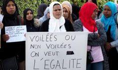 M. Macron met en garde contre la stigmatisation des musulmans dans le conflit autour du voile en France - BBC News Afrique Front National, Smart Home Technology, Macron, Bbc News, Politicians