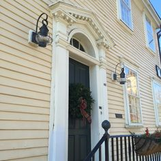New England seaside exteriors traditional