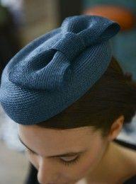 Bibi Carlita bleu canard en paille cousue Mademoiselle Chapeaux