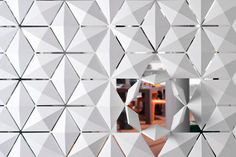 Innovative 3form Facet is a completely modular system for window screens and space dividing application with endless possibilities. 3form Facet lets you play with light and shadow with 3D elements that can individually rotate 360 degrees to create unique, interactive patterns.  Facet, by Bloomming, for 3form