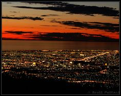 Mount Lofty lookout to see the Adelaide lights after sunset