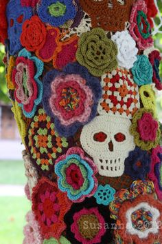 Espagne skull and flowers