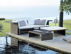 Te presento distintos muebles de exterior (mesas, sofás, tumbonas, daybeds, butacas, etc.) para este verano 2014