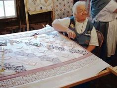 Homemade quilt frames are a great idea if you have the time and energy to build… Quilting Frames, Quilting Tools, Quilting Tutorials, Hand Quilting, Machine Quilting, Quilting Ideas, Diy Quilting Frame For Sewing Machine, Woodworking Projects, Sewing Projects