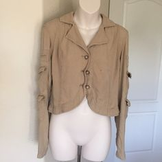 "♣️ DA-nang silk cropped cargo jacket small tan This is an amazing DANANG 100% silk long sleeve cargo jacket. Size small. 3 buttons on the front and has pockets on the front and sleeves. Mint condition. Worn once.  All items are from a clean, smoke free home  We ❤️ offers but will only be considered by using the ""OFFER"" option  Trades  Modeling Anthropologie Jackets & Coats Utility Jackets"