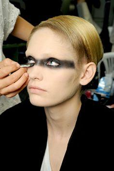 fashin: Futuristic Makeup